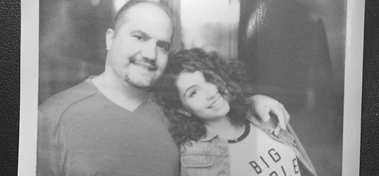 Alessia Cara fala sobre seu pai protetor e mais no 'The Thought Shower'