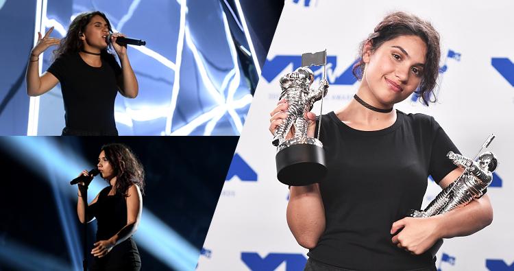"""Alessia Cara recebe 2 prêmios e se apresenta no VMAs com """"Scars To Your Beautiful"""" e """"1-800-273-8255"""""""